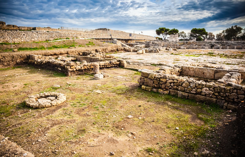 <b>Egnazia</b><br> <br> The archaeological site of Egnazia was built from the ruins of the ancient  Apulian city of Gnazia. The most ancient findings inside the park date back to  the Bronze Age, approximately between XV and XII BC.